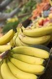 Plátanos para la venta Fotografía de archivo libre de regalías