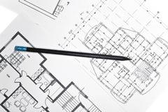 Pläne für Wohnebenen mit Bleistift Stockfotografie