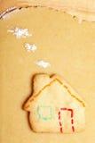 Plätzchen in der Form des Hauses Lizenzfreie Stockbilder