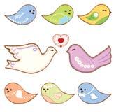 Plätzchen in Form von netten Vögeln Lizenzfreie Stockbilder