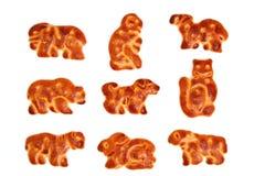 Plätzchen gebildet in Form von Abbildungen der verschiedenen Tiere Lizenzfreie Stockfotos