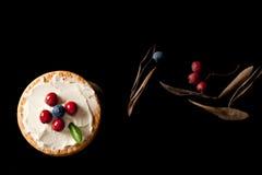 Plätzchen mit Sahne Käse und Blaubeeren Stockfotos