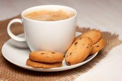 Plätzchen und Kaffee Stockbild