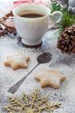 Plätzchen und Kaffee für Santa Claus Stockbild