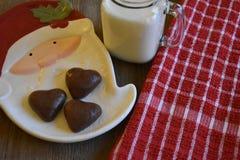 Plätzchen und Milch für Sankt Lizenzfreies Stockfoto