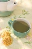 Plätzchen- und Teecup Stockfotos