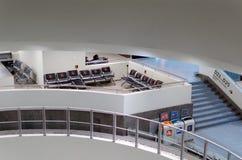 Plätze für das behinderte im Flughafen Stockbild
