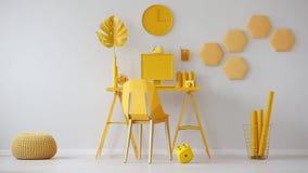 Plüschwürfel im Video eines gelben Raumes für einen Freiberufler mit Computer auf dem Schreibtisch stock video