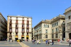Plaça de Sant Jaume, Barcelona gammal stad, Spanien Royaltyfria Foton