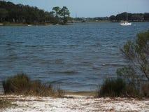Plaża na ciepłym wiosna dniu obraz stock