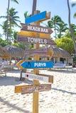 Plaża podpisuje wewnątrz Punta Cana popularny miejsce przeznaczenia w republice dominikańskiej obraz stock