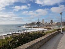 Plaż rośliien oceanu budynku wybrzeża spacer obrazy stock