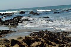 Plaż skały i morze Zdjęcie Stock