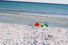 Plaż zabawki na Białych piasek plażach Obrazy Royalty Free