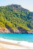 Plaża Cleopatra z morzem i skały Alanya półwysep, Antal Fotografia Royalty Free