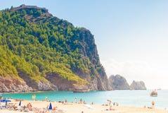 Plaża Cleopatra z morzem i skały Alanya półwysep, Antal Zdjęcia Royalty Free