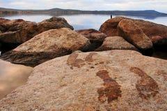 plaża drukujący kamienni ślada Zdjęcia Royalty Free