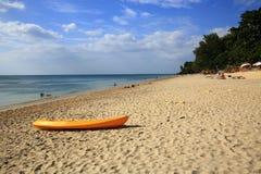 Plaża i łódź, drzewa, Phra Ae plaża, Ko Lanta, Tajlandia Obraz Royalty Free