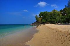 Plaża i drzewa, Phra Ae plaża, Ko Lanta, Tajlandia Obraz Stock