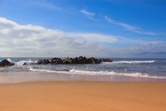 Plaża i ocean fale oceanu plażowych Zdjęcia Stock