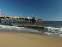 Plaża machać błękitny ske obrazy stock