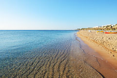 Plaża przy luksusowym hotelem Obrazy Royalty Free