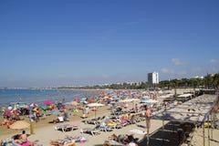 plaża tłocząca Zdjęcia Stock