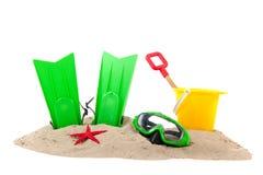 Plaża z pikowanie zabawkami i narzędziami obrazy stock