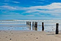 Plaża z rzędem poczta zdjęcie royalty free