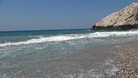 Plaża z Silnymi Dennymi fala zbiory wideo