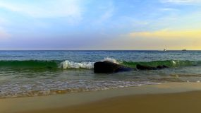 Plaże są pięknymi, naturalnymi skałami, fotografia stock