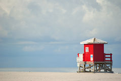 plażowa czerwona chałupa Zdjęcie Royalty Free