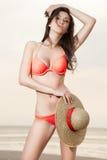 plażowa dziewczyny kapeluszu słoma Zdjęcia Stock
