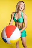 plażowa piłki dziewczyna obrazy royalty free