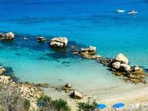 Plażowa wybrzeże krajobrazu morza śródziemnomorskiego Cypr wyspa Obrazy Royalty Free