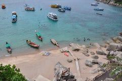 plażowe łodzie zbliżać Thailand Obrazy Stock