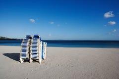Plażowe leżanki obraz royalty free