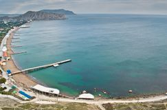 plażowego czerń wybrzeża Crimea cesarskie nowe skały denne Sudak Zdjęcia Royalty Free
