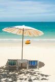 plażowego krzesła lokalizować kurortu nadmorski Zdjęcia Royalty Free