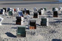 plażowego krzesła lokalizować kurortu nadmorski Zdjęcie Stock