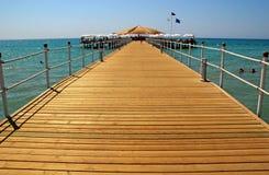 plażowego pokładu śródziemnomorski kurortu morza indyk fotografia stock