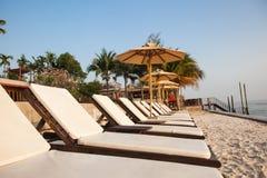 plażowi łóżka Zdjęcia Royalty Free