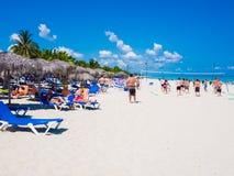 plażowi Cuba turystów Varadero potomstwa zdjęcie royalty free