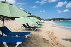 Plażowi loungers przy Baie szminką Fotografia Royalty Free