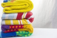 Plażowi ręczniki na białym tle Fotografia Royalty Free