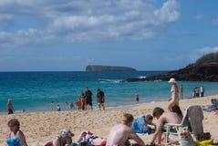 Plażowy życie przy Mokapu plaży parkiem na Hawajskiej wyspie Maui Zdjęcie Stock