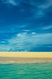plażowy błękitny głębokiego morza niebo Obrazy Stock