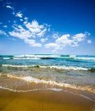 plażowy chmurny denny niebo obraz royalty free