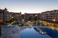 Plażowy hotel w Bułgaria w nocy Pogodnej plaży Zdjęcia Stock