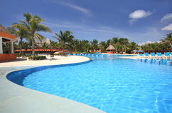 plażowy hotelowy basenu kurortu dopłynięcie Fotografia Royalty Free